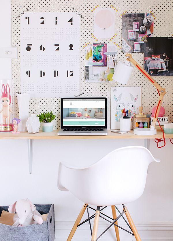 Pimp your workspace with Snug #workspace #calendar #Juttu