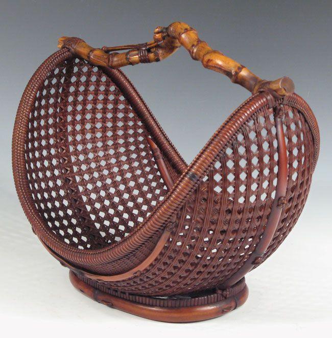 Moon shaped ikebana basket - Chikobosai