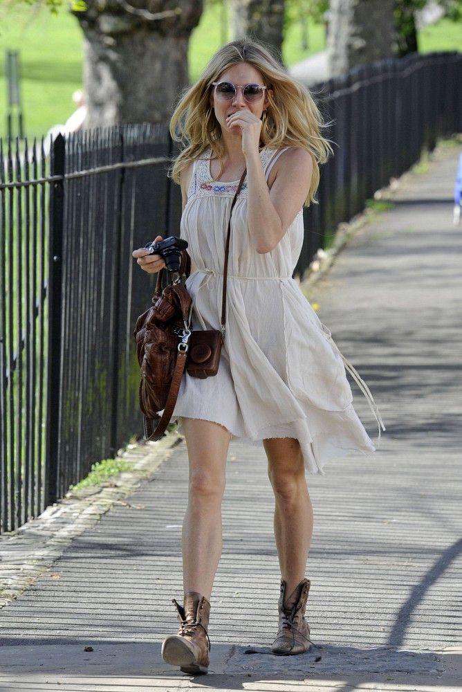 Sienna Miller - Sienna Miller at Primrose Hill