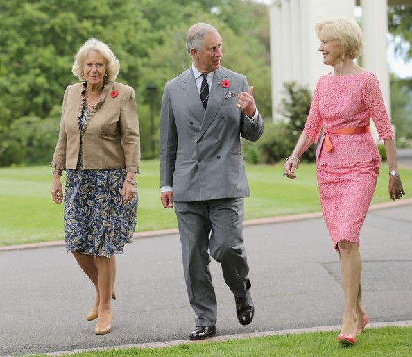 Charles and Camilla take a stroll through the gardens of Government House with Governor General Quentin  Bryce 10 Nov 2012  (Source: Chris Jackson/Getty Images AsiaPac)