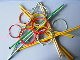 Pick The Bangles – A one minute party game for kitty parties where each player is given one minute to pick maximum bangles of same colors with knitting needles.