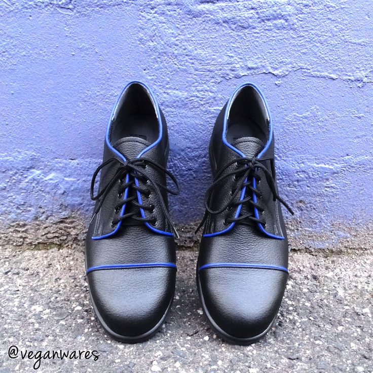Vegan Wares Melba shoes (on bolen), with blue piping.