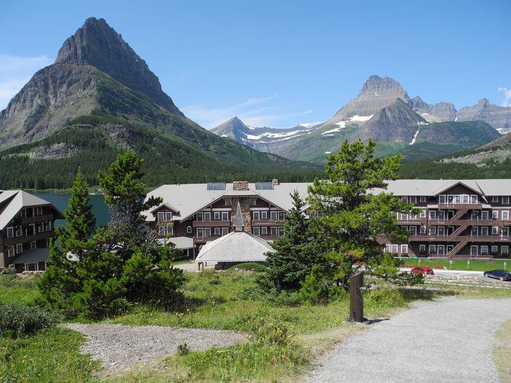 Many Glacier Hotel, Glacier National Park #FindYourPark #EncuentraTuParque