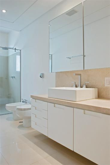 25+ melhores ideias sobre Rodapé De Granito no Pinterest  Cores do granito,  -> Armario De Banheiro Embutido Com Espelho