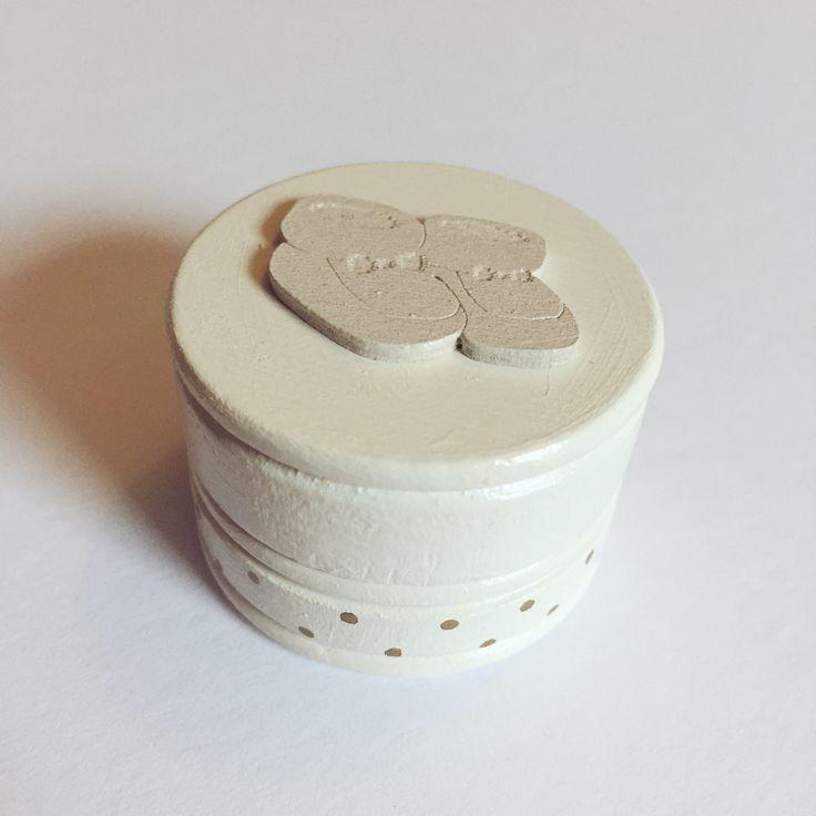 Boîte La Fée des des dents / Ma Première dent / Ma Première mèche - Crème et dorée  Disponible sur www.MaPetiteFabrique.ca