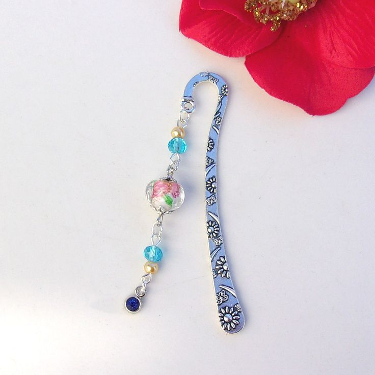 Marque-pages perles bleues et roses