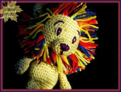 Szydełkowa zabawka - lew z kolorową grzywą