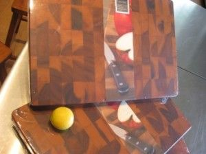 Great quality large, medium and round chopping boards.