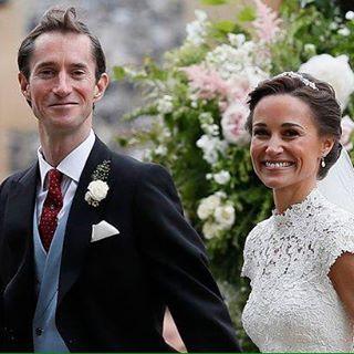 #justmarried #happywedding #gotmarried #wedding  PIPPA MIDDLETON MENIKAH!  PIPPA menikah dengan perencana keuangan, James Matthews, pada Sabtu (20 Mei 2017)  Adik perempuan Duchess of Cambridge Kate Middleton, Pippa Middleton (33 tahun) mendapat sorotan mengejutkan saat menjadi pengiring pengantin perempuan dalam pernikahan kakaknya bersama Pangeran William tahun 2011.  Terlihat Pangeran George (5 thn) dan Putri Charlotte (3 tahun) berada di antara orang tuanya, Pangeran William dan Kate…