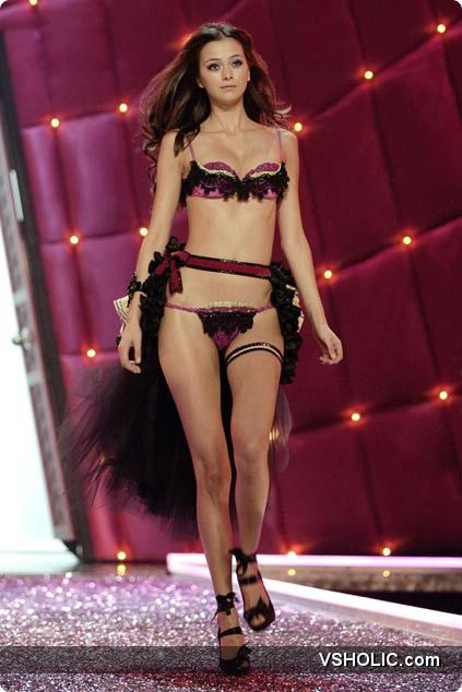 Victoria S Secret Fashion Show  P