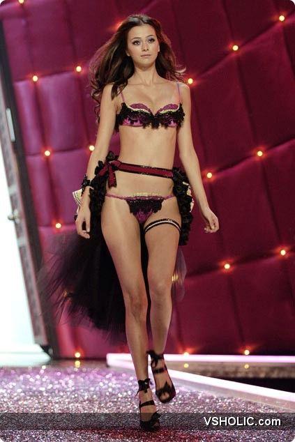 The Victoria S Secret Fashion Show  P