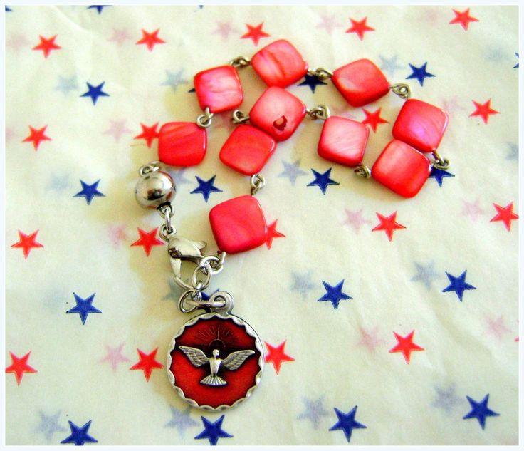 Denario de nacar - Medalla Espiritu Santo esmaltada en rojo