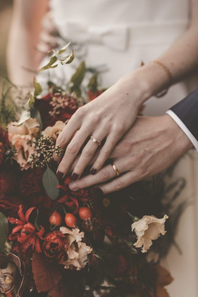 Autumn wedding inspiration and details. Autumn wedding flowers and decor. #autum…