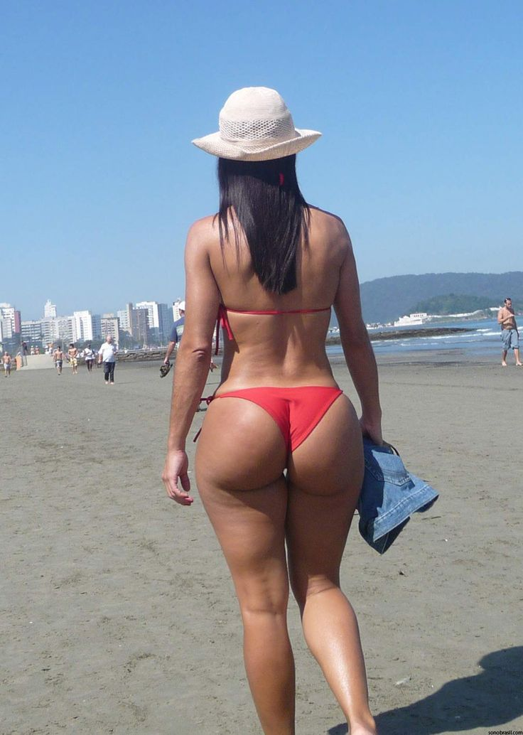 Plump ass in panties bikini