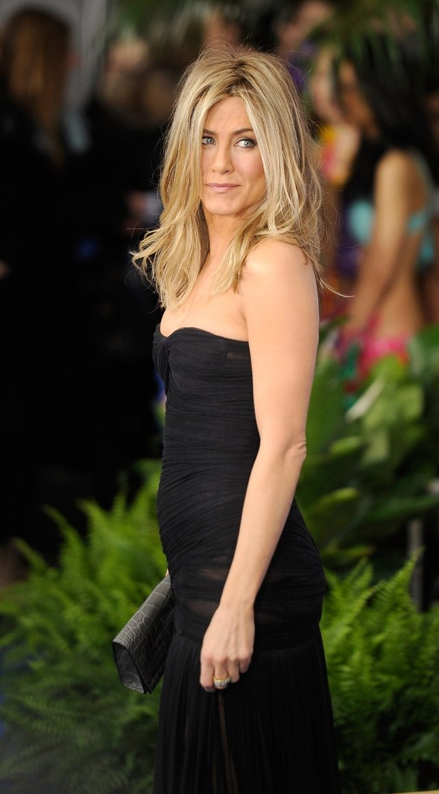 Jennifer Aniston.....love the dress!