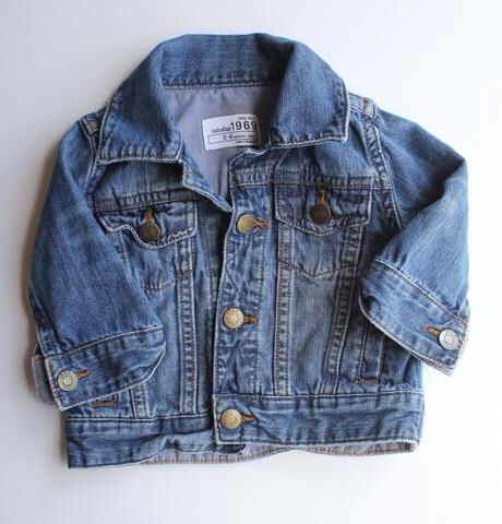 Baby Gap Jean Jacket for Baby Boy or Baby Girl. Size 0-6 Months.  So Cute for Stylish Baby! Only $5.50 Online Resale.