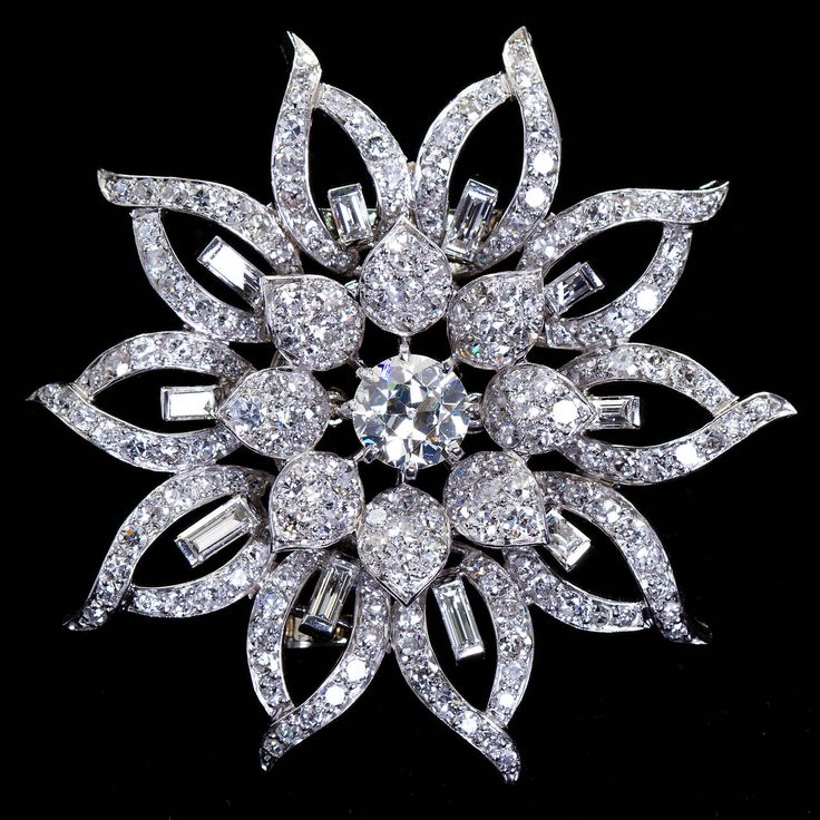 Van Cleef & Arpels Diamond Platinum Flower Form Brooch