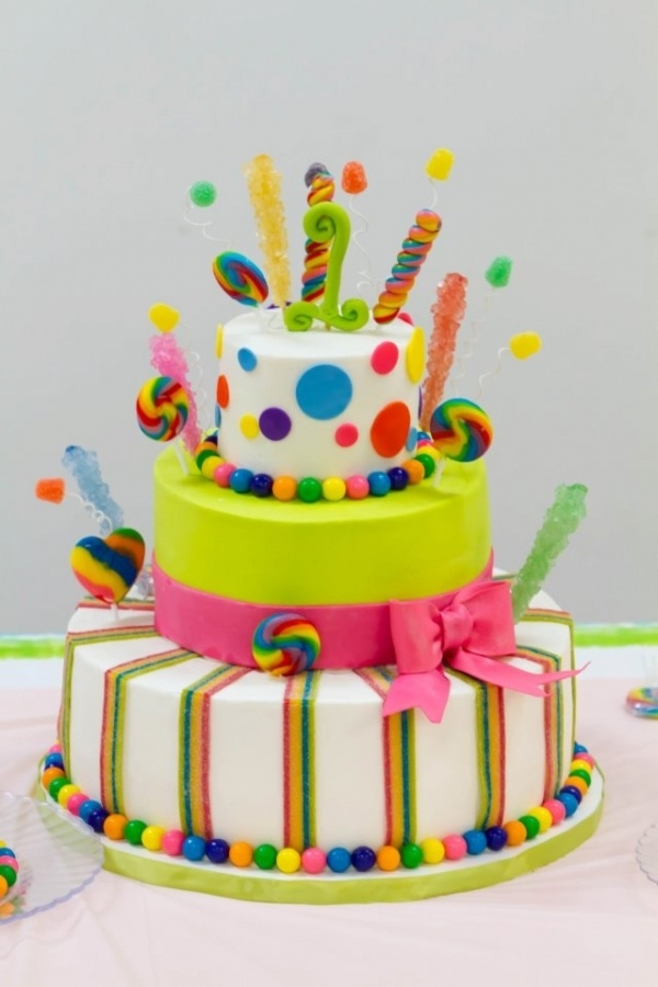 sour belt striping and gumdrops on wires, rainbow swirl lollies and rock candy spires.  gumballs for borders with colors that sing.  these are a few of my favorite things! Candyland Celebration