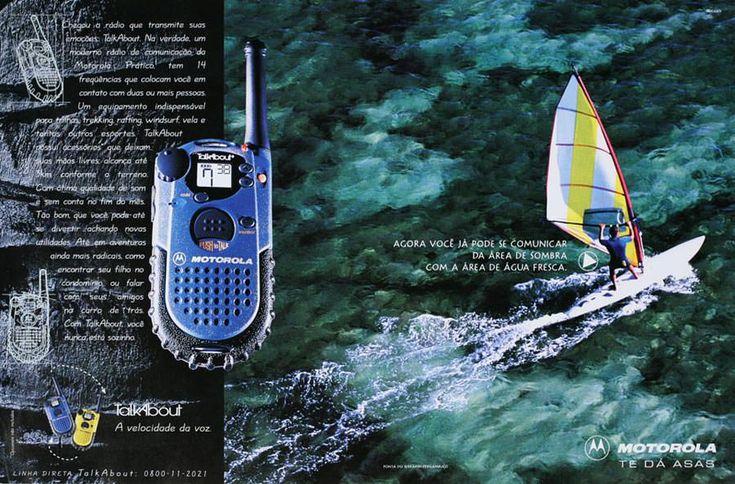 Anúncio Motorola (Agência McCann, 1999). Fotografia de windsurfista no mar por Cássio Vasconcellos.
