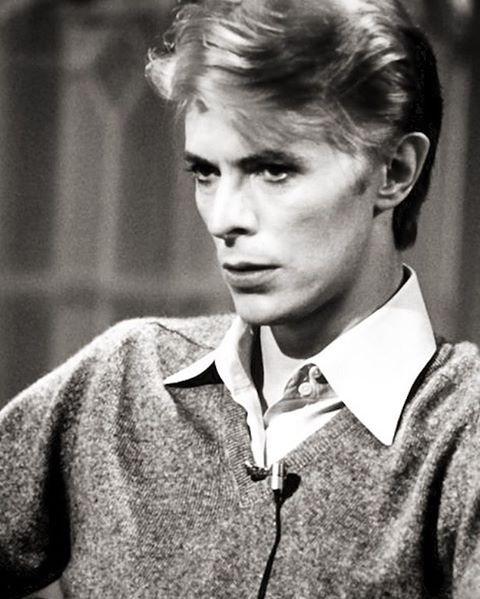"""62 Likes, 1 Comments - ★David Bowie (@ziggyy_played_guitar) on Instagram: """"Night❤️#davidbowie #bowie #davidrobertjones #stationtostation #spaceoddity #aladdinsane…"""""""