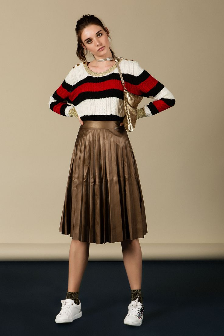 #clothes #fashion #style #fashionphotographer #fashioneditorial #fashionpost #stylish #model #studio #makeup #hair