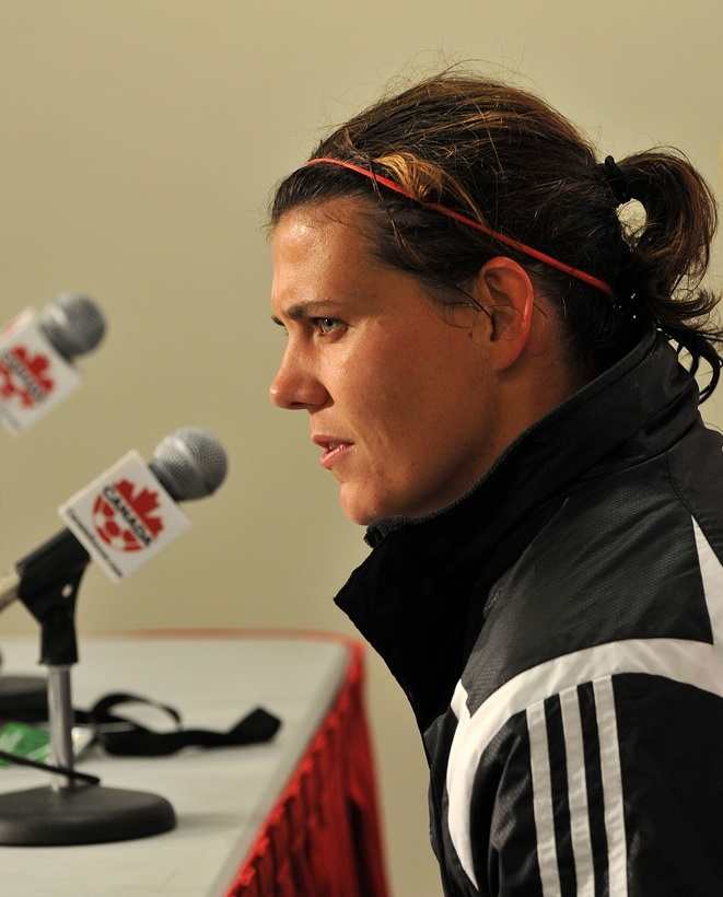 Christine Sinclair : best CDN soccer player. ever.