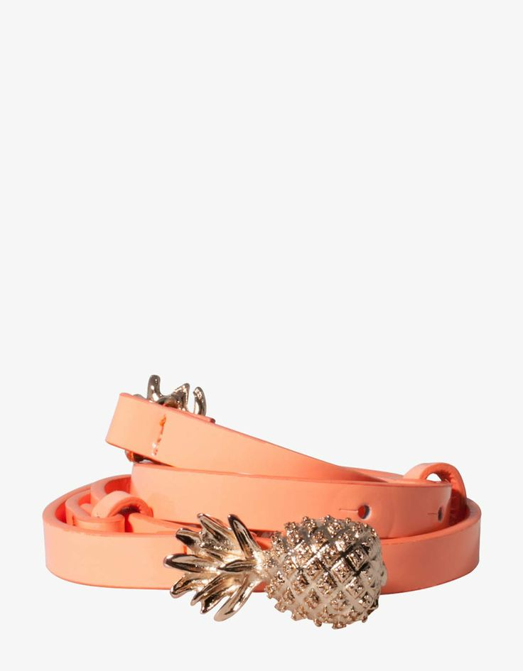 Belt with pineapple buckle