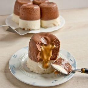 Recept na Lávový dortík-Nepečený šlehačkový dezert s karamelem z kategorie : Na šest kousků: 500 g jemného tvarohu, 250 ml smetany ke šlehání, 1 zt...
