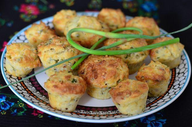Červený rendlík: Slané muffiny s česnekovými výhonky