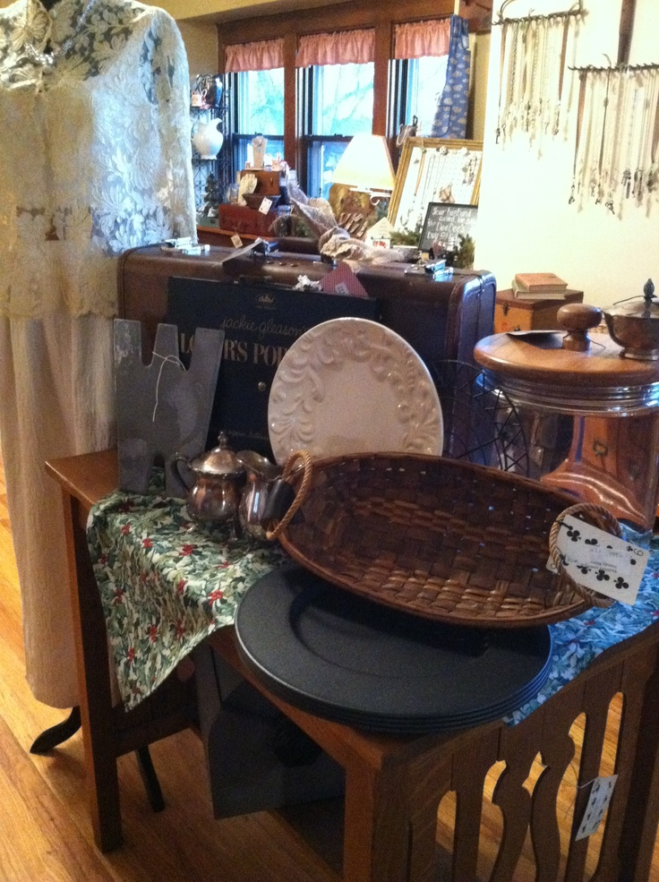 deedee 39 s vintage antique home decor vintage decor pinterest. Black Bedroom Furniture Sets. Home Design Ideas
