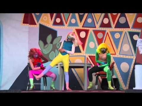 """Sia Performs """"Chandelier"""" on Jimmy Kimmel Live - briliant! Sia's album '1000 Forms of Fear' is out today!"""