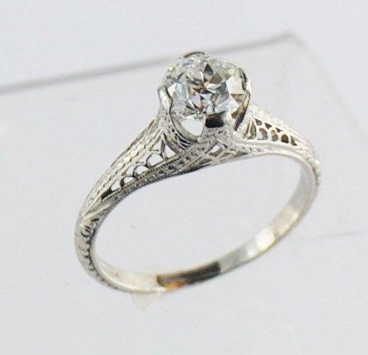 Antike filigrane Diamant Verlobungsring - Platin - 0,84 Carat alten europäischen Schnitt von JandHjewelry auf Etsy https://www.etsy.com/de/listing/238105095/antike-filigrane-diamant-verlobungsring