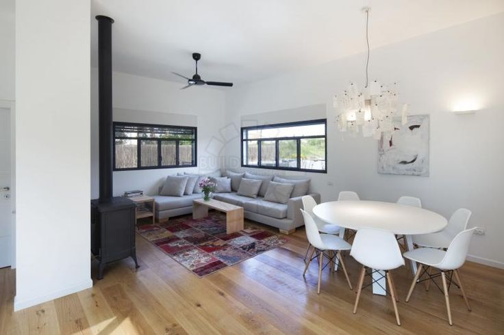 Яркие элементы нового дизайна: реконструкция старого дома в Тель-Авиве от Henkin Shavit Architecture and Design