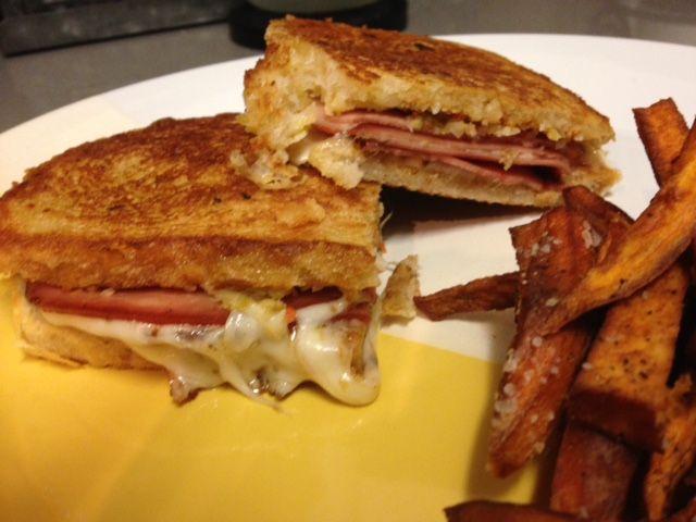 Hot mortadella sandwich - just a few ingredients and OMG tasty!