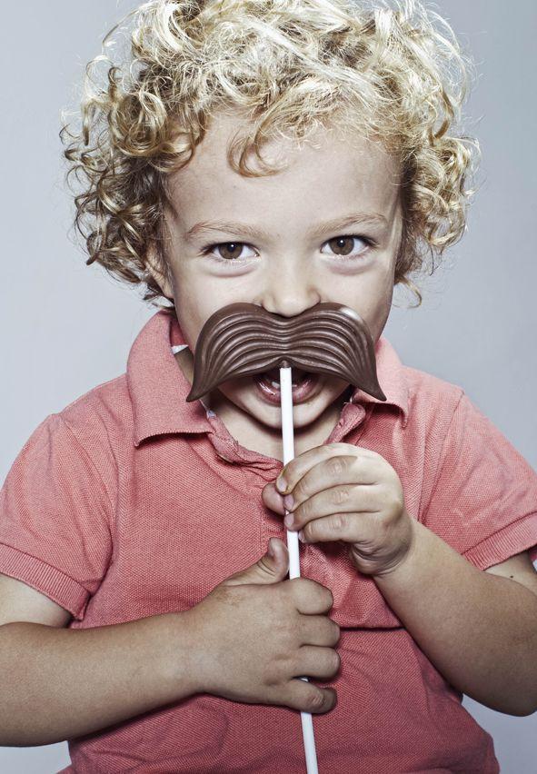 Czekoladowe wąsy EXAMPLE.PL