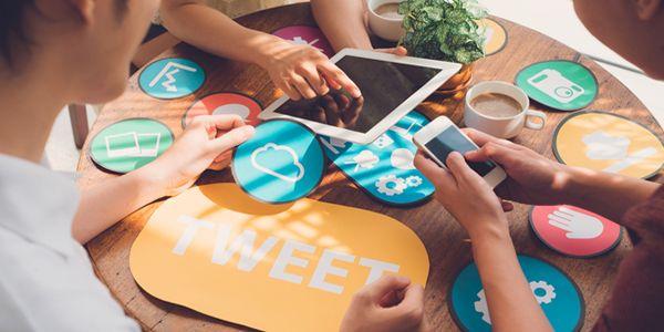 Facebook, Twitter, Instagram – Social Media revolutioniert die Kommunikation. Wer soll da den Überblick behalten? Kathrin Riechers und Anna Wagner, Studenten des Masterstudienganges Print and Publishing der Hochschule der Medien Stuttgart, haben die Aktivitäten der Buchbranche zusammengetragen.