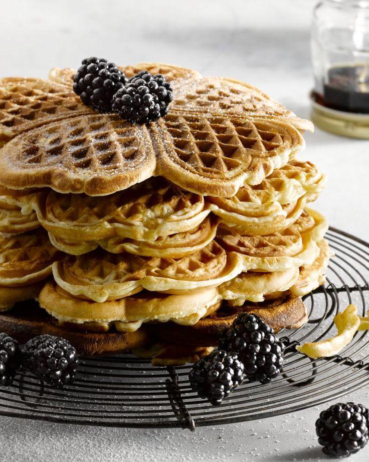 Telkens wanneer je wafels bakt vult het huis zich met heerlijke geuren. Deze vanillewafels zijn puur genieten en maak je makkelijk zelf!