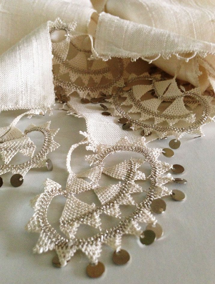 oya lace with spangles