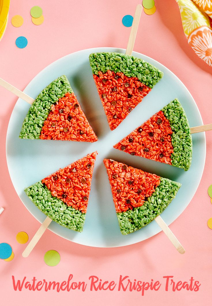 Watermelon is the ultimate summertime treat, but who doesn't love a yummy rice krispie treat? Combine these two delicious eats to create Watermelon Rice Krispie Treats. It's tasty and mess-free!