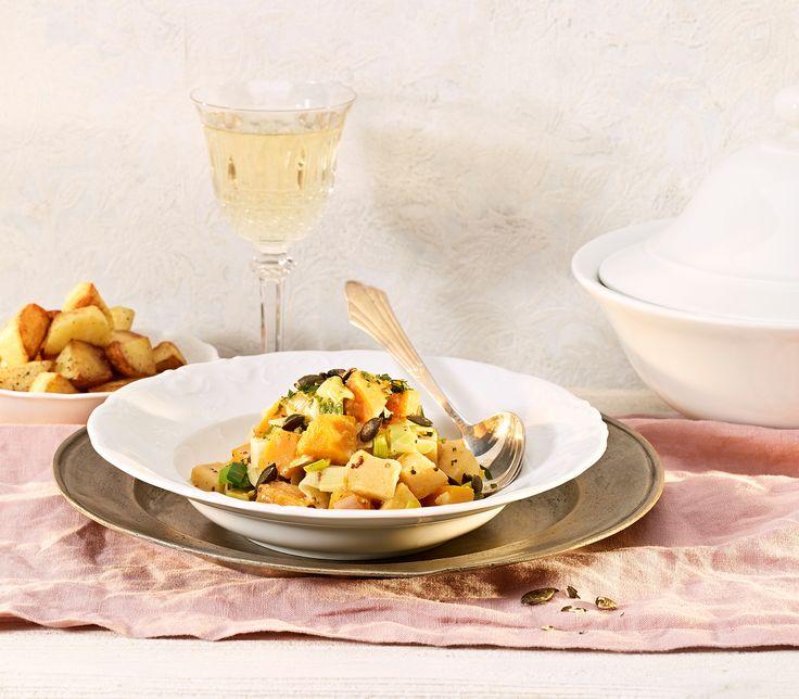 Dieser saisonale und schmackhafte Eintopf mit viel Gemüse geht als Hauptmahlzeit durch. Das Gemüse schmeckt aber auch als Beilage hervorragend.