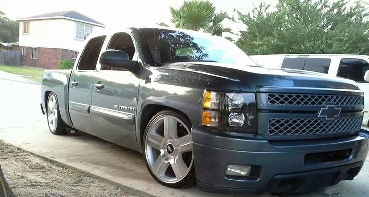 Pictures Of Old Chevy Pickup Trucks >> Silverado 6/9 on 22's. | chevy trucks | Pinterest | Dropped trucks and Cars