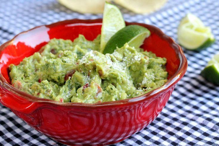 I pretty much ALWAYS crave guacamole! Easy Guacamole