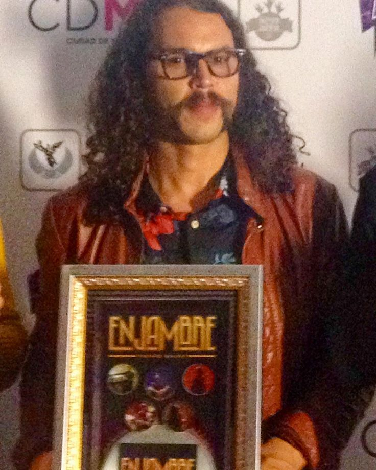 """Congratulations to @angeloopolis drummer from the band @enjambremx PLATINUM disc for the high sells of the album """"Proaño"""" ! The band close the """"Proaño Tour"""" in Mexico City's """"Zocalo"""" with 100000 people and now will prepare the new album to be ready before the end of the year. Congratulations Angel Sanchez! Congratulations Enjambre! #Drums #Drummers #Drumheads #Cymbals #Drumsticks #Snare #BassDrum #Drumkit #Drumlife #Toms #Bateria #Bateristas #Platillos #Baquetas #Parches #Tarola #Batera…"""