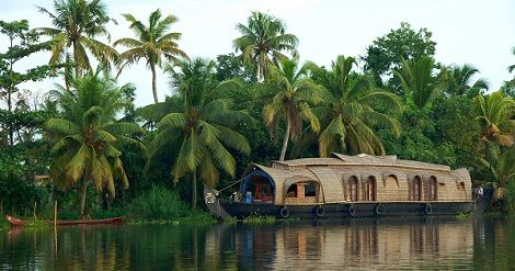 Kerala is a nice place which having mountains,Forest ,rivers, beaches and Natural beauty. #KeralaTourPackages #KeralaTour #KeralaTourism Contact Us- Mobile No.:- +91 9711885571 Email:- info@shaktatravels.com http://shaktatravels.com/packages/india-tour