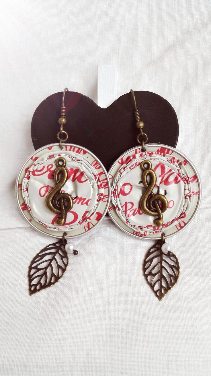 Boucles d'oreilles cabochon capsule Nespresso beige et rouge féérique note de musique et feuille bronze : Boucles d'oreille par…