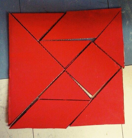 Tangram géant en carton