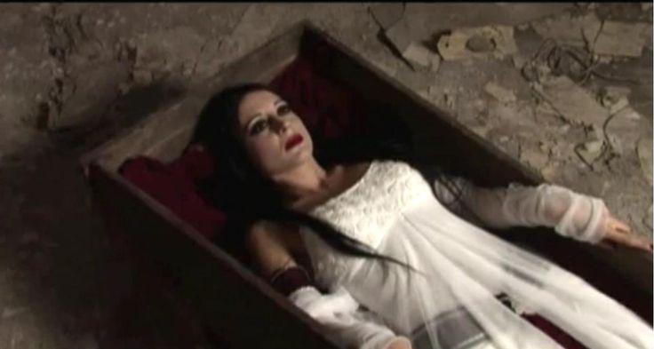 Una notte con Carmilla secondo i Theatres des Vampires