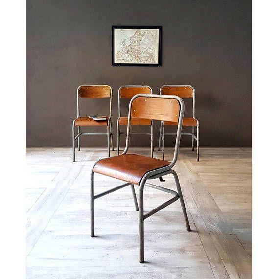 Sedie Vintage di una vecchia scuola Francese anni 60 Four #chairs #school #vintage #sedia #scuola
