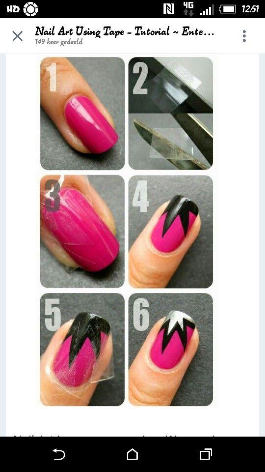 Wat je nodig hebt : *Nagellak je mag deze kleur maar je mag ook je eigen kleur *Plakband Hoe moet het : Je hebt een kleurtje in dit geval is dat roze, dat lak je 1x over je nagel als het nagellak gedroogd is pak je de plakband het is een beetje moeilijk te zien maar je mooet de plakband in 4 driehoekjes knippen dat plak je op je nagels het stuk nagel wat er voor het plakband nog zit moet je bijv. Met zwart lakken als dat droog is pak je weer de plakband en dan doe je precies het zelfde maar…