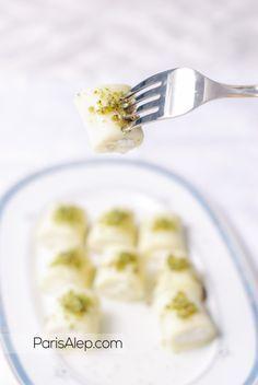Je publie enfinun desserttypiquement syrien, le premier sur le blog !La Halawet el jeben [حلاوة الجبن ], que l'on peut traduire par douceur au fromageest une spécialité du centre de la S…